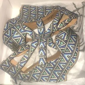 tribal like print wedges